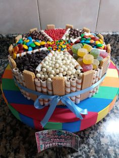 Candy Birthday Cakes, Birthday Sweets, Make Birthday Cake, Beautiful Birthday Cakes, Fun Baking Recipes, Dessert Recipes, Torta Candy, Chocolate Explosion Cake, Bolo Fondant