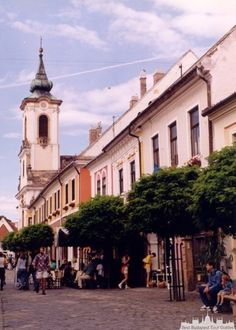 Excursion to Szentendre by bus - Karádi Krisztina - Best Budapest Tour Guides - Choose your tour guide for Budapest and Hungary! Capital Of Hungary, Jewelry Center, Serbian, Roman Catholic, Ceramic Artists, Tour Guide, Old Houses, Museums, Budapest
