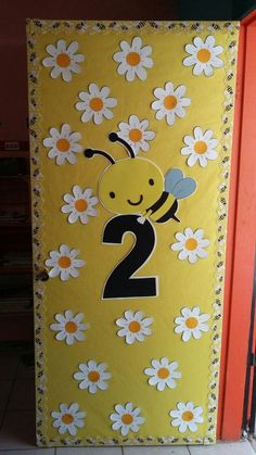 Trendy spring door decorations classroom preschool teachers ideas – - New Deko Sites Infant Classroom, Preschool Classroom, Preschool Crafts, School Board Decoration, Class Decoration, Preschool Door Decorations, Teacher Doors, School Doors, Bee Theme