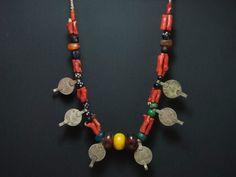 Collar bereber Foum Zguid monedas, coral, concha, amazonita