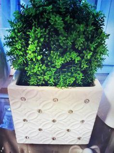 Biała z cyrkoniami doniczka osłonka ceramiczna HIT
