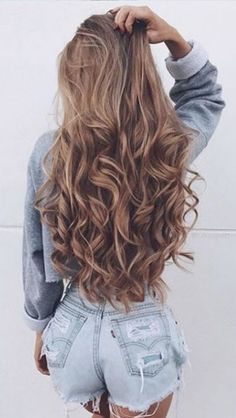 Hello beautiful hair! Who's hair do you swoon over on Instagram or Pinterest❤️