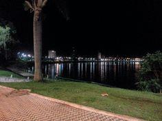 Itumbiara em Goiás Rio, Four Square, Sidewalk, City, Side Walkway, Walkway, Walkways, Pavement