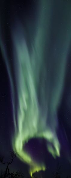 Fist-shaped Northern Lights, Find out how to see. #Northern #Lights #Finland #Lapland