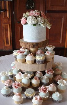 'Samantha'  (Timber cake stand provided by Bride)