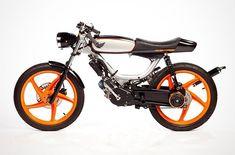 Honda - Pipeburn - Purveyors of Classic Motorcycles, Cafe Racers & Custom motorbikes Small Motorcycles, Concept Motorcycles, Custom Motorcycles, Custom Moped, Custom Bikes, Motocross Shirts, Motorised Bike, Sr500, Riders On The Storm