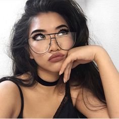Makeup for girls who wear glasses. Brown matte lips and thick lashes. Fresh face everyday wearable makeup.