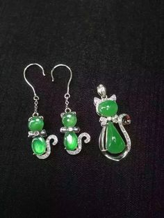 Beautiful water green cat earring and pendant jade jewelry set Jade Jewelry, Jewelry Sets, Crazy Cat Lady, Crazy Cats, Cat Design, Lucky Charm, To My Daughter, Daughters, Jewelry Design