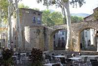 Visiter Ceret, guide de voyage et information de tourisme pour Ceret (Pyrenees-Orientales, Languedoc-Roussillon)