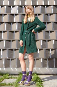 How to wear green? | Dress like a parisian