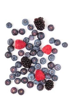 Some fruits contain a large amount of carbohydrates and therefore sugars. This article looks at the most delicious low carb, low sugar fruits. Diabetic Food List, Diabetic Snacks, Diabetic Recipes, Keto Recipes, Lower Blood Sugar, Low Sugar, Fodmap, Keto Vs Low Carb, Fruit Calories