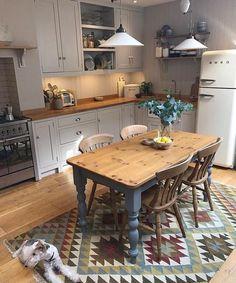 New kitchen colors country cupboards ideas Kitchen Interior, New Kitchen, Kitchen Dining, Kitchen Decor, Kitchen Ideas, Kitchen Country, Kitchen Wood, Kitchen White, Kitchen Modern