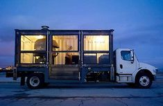 Del Popolo's is a travelling pizza truck located in San Francisco, that features an impressive wood fired pizza oven. Converted Shipping Containers, Shipping Container Homes, Pizza Truck, Joey's Pizza, Pizza House, Best Food Trucks, Food Retail, Food Truck Design, Food Design