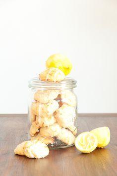 Leckere, weiche Zitronen-Ricotta-Kekse mit extra zitronigem Zuckerguss. #Zitrone #Kekse #Cookies