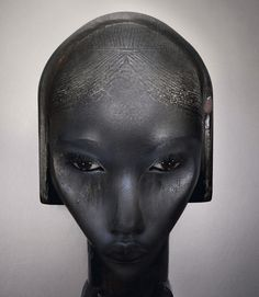 Ingrid Baars is an artist/photographer from the Netherlands. Her unique style of photo-manipulation merges photography, high-end fashion and traditional African sculpture. African Sculptures, Africa Art, Dutch Artists, African American Art, Photo Projects, African Beauty, Community Art, Face Art, Photo Manipulation