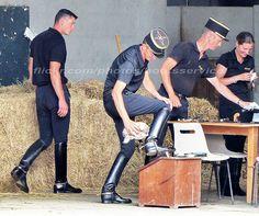 bootsservice 15 290197 | Ecuyers du Cadre Noir se préparant … | Flickr