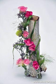 Soie Artificielle couronne de fleurs rose rouge Posy Tribute Memorial Faux CREME GRAVE