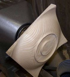 Be secure when working with a table saw. Be secure when working with a table saw. This is far better simply Wood Turning Lathe, Wood Turning Projects, Wood Vase, Wood Bowls, Lathe Projects, Wood Projects, Woodworking Plans, Woodworking Projects, Woodturning Tools