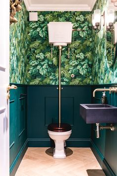 Small Downstairs Toilet, Small Toilet Room, Downstairs Cloakroom, Small Toilet Decor, Small Toilet Design, Cloakroom Wallpaper, Cloakroom Basin, Wallpaper Toilet, Bad Inspiration