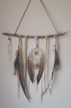 A feminine and bohemian dream catcher made of layers of deerskin and white lace. ♥ Centered with a 4 inch woven dream catcher centered with an Los Dreamcatchers, Dreamcatcher Feathers, Diy And Crafts, Arts And Crafts, Decor Crafts, Deco Nature, Home And Deco, Mobiles, Leather And Lace