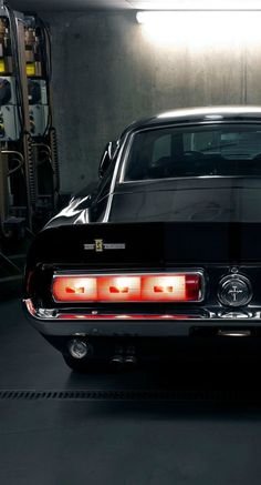 Ford Mustang Shelby GT350.......