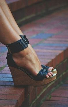 Black strappy wedges, shoes trends for summer 2016.