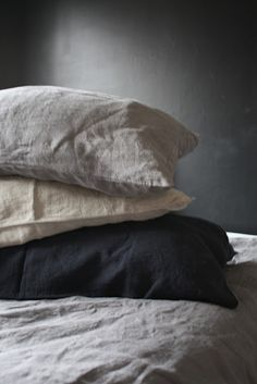 I  made the fatal mistake of sleeping in a bed with linen sheets awhile back. It felt like floating on a cloud while being wrapped in cashmere. Now I hate my sheets. I repeat, HATE.... #ruinedforlife.