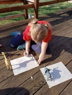 Shadow Drawing, Shadow Art, Super Mario World, Art For Kids, Crafts For Kids, Toddler Crafts, Picnic Blanket, Outdoor Blanket, Life Pro Tips