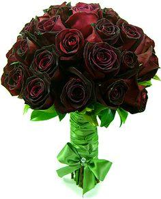 Buque rosas negras
