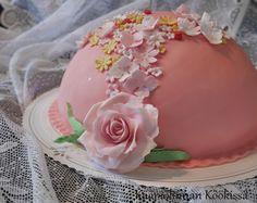 Kääpiölinnan köökissä: Nuoren neitokaisen prinsessakakku ♥