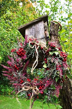 15 Wreaths You Have to Craft This Fall - Garden Decor beautiful 15 Wreaths You Have to Craft This Fall! Decorate your home with these unique wreaths that pay tribute to the motifs of harvest season. Autumn Wreaths, Christmas Wreaths, Christmas Decorations, Holiday Decor, Red Berry Wreath, Autumn Garden, Autumn Fall, How To Make Wreaths, Diy Wreath
