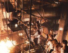 Una de las primeras pelis catastrofistas que recuerdo haber visto en el cine. En el cine Victoria de Zaragoza en concreto, también desaparecido como casi todos los del centro de la ciudad