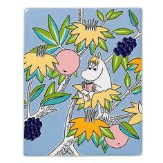 Grow your own Moomin Deco Tree! Snorkmaidenis part of a collection that will include 13 wall tiles.Size: 15,1 x 18,9 cm.Available 1.9.2015 - 31.12.2016.Muumi-keramiikkalaatta Niiskuneition osa 13-osaista kokelmaa, jota myydään vain rajoitetun ajan. Koko: 15,1 x 18,9 cm. Niiskuneiti-laatta on tuotannossa1.9.2015 -31.12.2016.Mumin keramikplatta Snorkfrökenär en del av en 13-delars kollektion som säljs endast under en begränsad tid. Storlek: 15,1 x 18,9 cm.