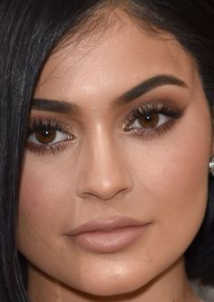 Close-up of Kylie Jenner at the 2016 Met Gala. Kylie Jenner Met Gala, Kylie Jenner Icons, Looks Kylie Jenner, Kendall Jenner, Kylie Jenner Makeup Natural, Natural Makeup, Beauty Makeup, Hair Makeup, Hair Beauty