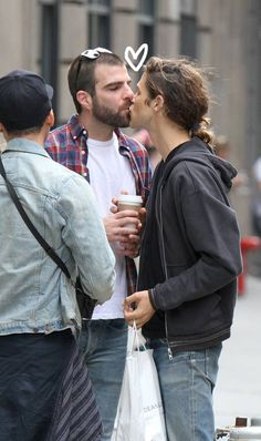 This Photo Of Zachary Quinto & His Boyfriend Kissing Will Make You Melt!