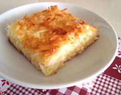 Mané Pelado - bolo de mandioca, côco e queijo. Sem farinha.