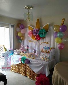 How to Make DIY Birthday Party Decorations for Girls - Unicorn Backdrops Unicorn Themed Birthday Party, Diy Birthday, 1st Birthday Parties, Birthday Ideas, Unicorn Party Decor, Fete Emma, Birthday Party Decorations Diy, Unicorn Baby Shower, Bday Girl
