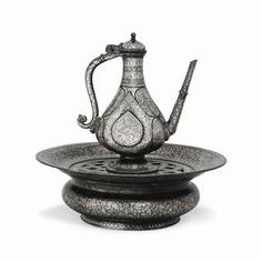 Bidri inlaid ewer and basin century) (Deccan Jewish Art, Art Auction, Islamic Art, Asian Art, Tea Set, Archaeology, Basin, Metal Working, 19th Century