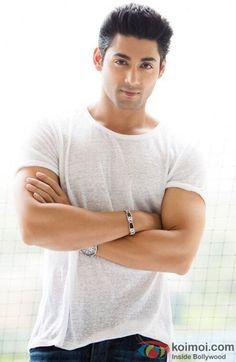 Jaidev Sankar ( Ruslaan Mumtaz) Hurt Pain, Smart Men, Actor Photo, Love Hurts, Muscular Men, Tv Actors, Hot Guys, Hot Men, Beautiful Men