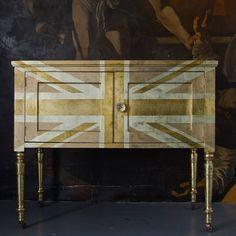 Union Jack Gold Leaf Cabinet      ♪ ♪ ... #inspiration #diy GB http://www.pinterest.com/gigibrazil/boards/