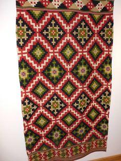 Copyright: Woven wall carpet at Ullernsvang Hotel in Hardanger, Norway Design Patterns, Star Patterns, Tablet Weaving, Hand Weaving, Weaving Patterns, Knitting Patterns, Wall Carpet, Tapestries, Ancestry