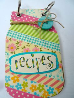 love this mini recipe album! Scrapbook Recipe Book, Mini Scrapbook Albums, Scrapbook Cards, Project Life, Homemade Recipe Books, Jar Labels, Wrap Recipes, Altered Books, Recipe Cards