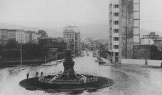Monumento a los héroes de la reconquista, Plaza de la Independencia.