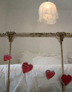 heart  garland- would be so cute to put on bed & write the reasons you <3 each other ...