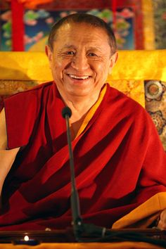 Mahamudra and Dzogchen: Thought-Free Wakefulness