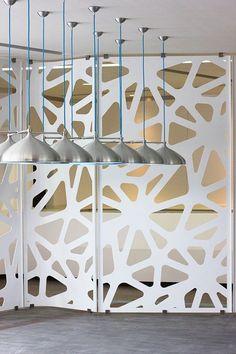 Cortes / lámina galvanizada / Acero inoxidable / Madera / Acrílico / Vidrio / Paneles de luz / Paneles divisorios / Corte láser / Texturas / Fachadas modernas / Tendencia / Pregúntanos por más: http://173estudiocreativo.com/