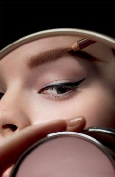 Perfect eyebrows with MAC Eyebrow Collection