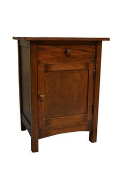 This is an Arts & Crafts Mission Oak end table made with solid white Oak. This is a quality reproduction of the 100 year old Stickley piece, which are very rare and when found are usually not in good