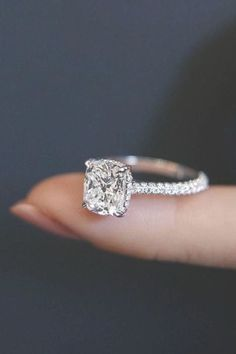 21 Perfect Solitaire Engagement Rings For Women | Oh So Perfect Proposal