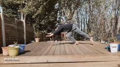 Capoeira Martial Arts, Martial Arts Workout, Treadmill Workouts, Abs Workout Routines, Ronaldo Skills, Brazilian Martial Arts, Animal Flow, Martial Arts Equipment, Cool Dance Moves